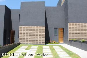 Casa En Ventaen Queretaro, El Refugio, Mexico, MX RAH: 21-2394