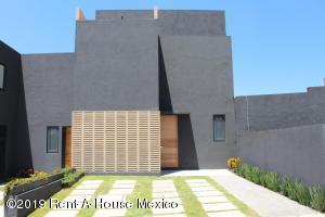 Casa En Ventaen Queretaro, El Refugio, Mexico, MX RAH: 21-2395