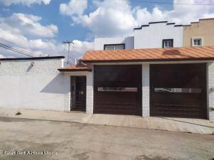 Casa En Ventaen Pachuca De Soto, Paseos De Los Solares, Mexico, MX RAH: 21-2435