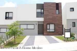 Casa En Ventaen El Marques, Zibata, Mexico, MX RAH: 21-2466