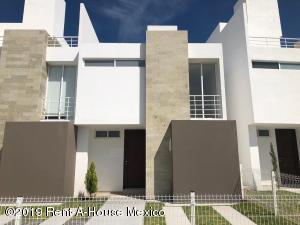 Casa En Ventaen Queretaro, Sonterra, Mexico, MX RAH: 21-2471