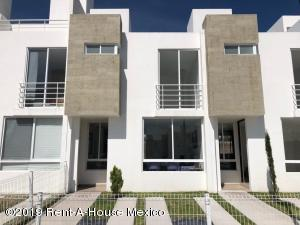 Casa En Ventaen Queretaro, Sonterra, Mexico, MX RAH: 21-2472