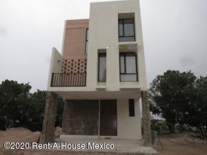 Casa En Ventaen Queretaro, Juriquilla, Mexico, MX RAH: 21-2479