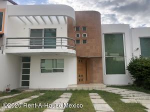 Casa En Ventaen Queretaro, Cumbres Del Lago, Mexico, MX RAH: 21-2483