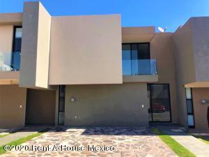Casa En Rentaen Queretaro, El Refugio, Mexico, MX RAH: 21-2498