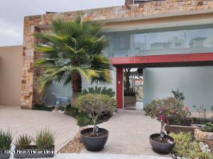 Casa En Ventaen Atizapan De Zaragoza, Bosque Esmeralda, Mexico, MX RAH: 21-2530