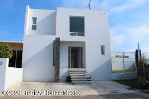 Casa En Ventaen Queretaro, El Mirador, Mexico, MX RAH: 21-2541