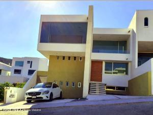 Casa En Ventaen Huimilpan, Cumbres Del Cimatario, Mexico, MX RAH: 21-2555