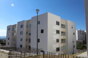 Departamento En Rentaen Queretaro, Fray Junipero, Mexico, MX RAH: 21-2573