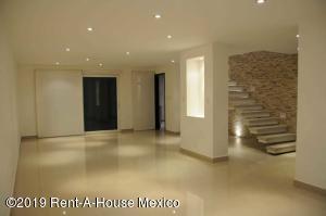 Casa En Ventaen Queretaro, Lomas De Juriquilla, Mexico, MX RAH: 21-2625