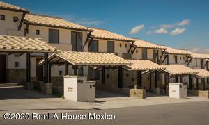 Casa En Ventaen El Marques, Zibata, Mexico, MX RAH: 21-2647