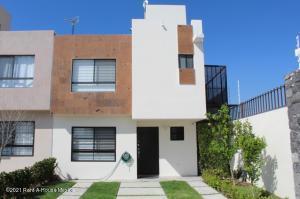 Casa En Ventaen El Marques, Rincones Del Marques, Mexico, MX RAH: 21-2650