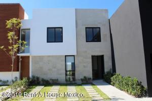 Casa En Ventaen Queretaro, Altos De Juriquilla, Mexico, MX RAH: 21-2669