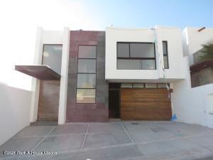 Casa En Ventaen Queretaro, Juriquilla, Mexico, MX RAH: 21-2695