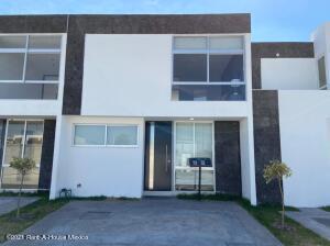 Casa En Ventaen Corregidora, El Romeral, Mexico, MX RAH: 21-2693