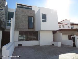 Casa En Ventaen Queretaro, Lomas De Juriquilla, Mexico, MX RAH: 21-2738