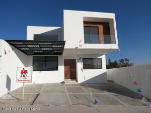 Casa En Ventaen Queretaro, Lomas De Juriquilla, Mexico, MX RAH: 21-2755