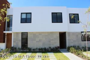 Casa En Ventaen Queretaro, Altos De Juriquilla, Mexico, MX RAH: 21-2782