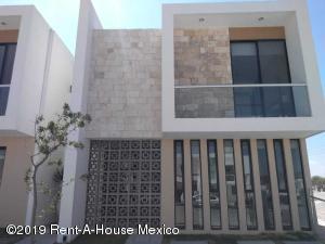 Casa En Ventaen Corregidora, Canadas Del Arroyo, Mexico, MX RAH: 21-2800