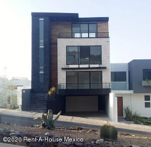 Casa En Ventaen El Marques, Zibata, Mexico, MX RAH: 21-2886