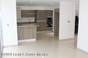 Casa En Ventaen El Marques, Zibata, Mexico, MX RAH: 21-2904