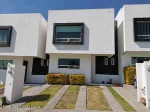 Casa En Rentaen Queretaro, El Mirador, Mexico, MX RAH: 21-2969