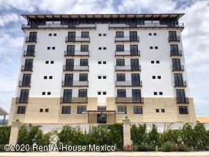 Departamento En Ventaen Queretaro, Cumbres Del Lago, Mexico, MX RAH: 21-2973