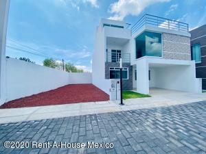 Casa En Ventaen Pachuca De Soto, Fracc Parque Esmeralda, Mexico, MX RAH: 21-2998