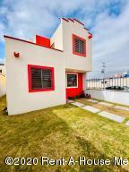 Casa En Ventaen Pachuca De Soto, Paseos De Los Solares, Mexico, MX RAH: 21-3063