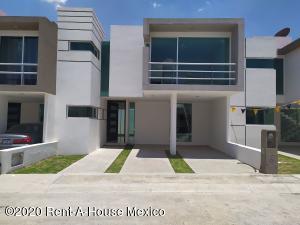Casa En Ventaen Pachuca De Soto, Fracc Parque Esmeralda, Mexico, MX RAH: 21-3089