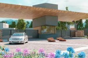 Terreno En Ventaen Queretaro, Huertas La Joya, Mexico, MX RAH: 21-3097