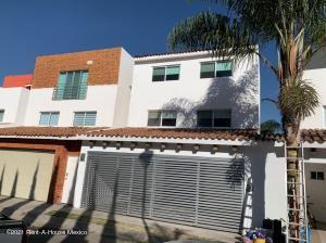 Casa En Rentaen Tlajomulco De Zuniga, San Agustin, Mexico, MX RAH: 21-442