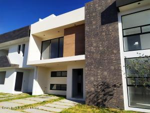 Casa En Ventaen Pachuca De Soto, San Antonio, Mexico, MX RAH: 21-3181
