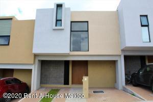 Casa En Rentaen El Marques, Zibata, Mexico, MX RAH: 21-3214