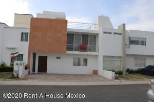 Casa En Ventaen Queretaro, El Mirador, Mexico, MX RAH: 21-3257