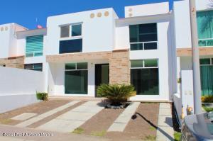 Casa En Ventaen Queretaro, El Mirador, Mexico, MX RAH: 21-3259