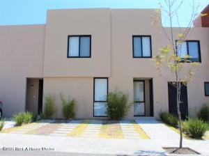 Casa En Rentaen El Marques, Zakia, Mexico, MX RAH: 21-3263