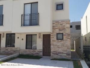 Casa En Rentaen El Marques, Capital Sur, Mexico, MX RAH: 21-3299
