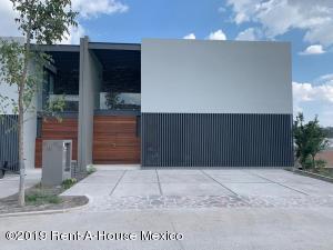 Casa En Ventaen Queretaro, Altozano, Mexico, MX RAH: 21-3354