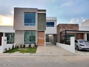 Casa En Ventaen Corregidora, Canadas Del Arroyo, Mexico, MX RAH: 21-3372