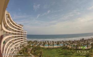 Departamento En Ventaen Acapulco, Playa Diamante, Mexico, MX RAH: 21-3398
