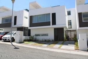Casa En Rentaen Corregidora, Punta Esmeralda, Mexico, MX RAH: 21-3400