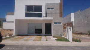 Casa En Ventaen Queretaro, El Mirador, Mexico, MX RAH: 21-3449