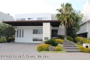 Casa En Ventaen Queretaro, Jurica, Mexico, MX RAH: 21-3522