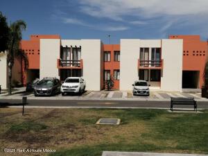Departamento En Ventaen Corregidora, El Pueblito, Mexico, MX RAH: 21-3550
