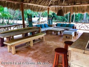 Terreno En Ventaen Puerto Morelos, Ruta De Los Cenotes, Mexico, MX RAH: 21-3559
