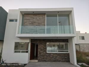 Casa En Ventaen Queretaro, El Mirador, Mexico, MX RAH: 21-3593