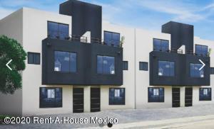 Casa En Ventaen Queretaro, El Mirador, Mexico, MX RAH: 21-3638