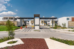 Departamento En Ventaen El Salto, La Alameda, Mexico, MX RAH: 21-3674
