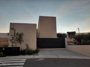 Casa En Ventaen El Marques, Zibata, Mexico, MX RAH: 21-3687